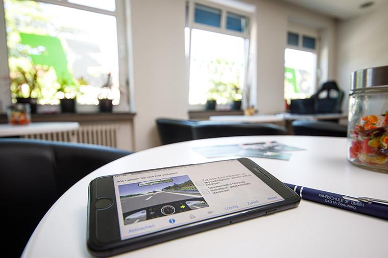 Digitaler Unterricht in der Fahrschule 3F